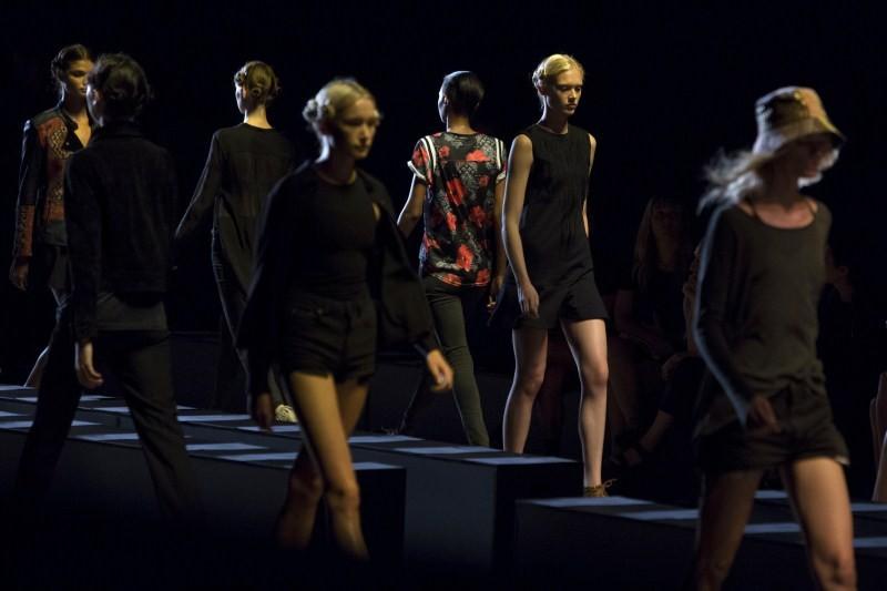 New York Fashion Week 2015,New York Fashion Week,NYFW,NYFW 2015,NYFW Day One,fashion show,fashion event,fashion show pics,fashion show images,fashion show photos,fashion show stills,fashion show pictures