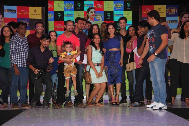 Sunny Leone,actress Sunny Leone,DVD Super hot Sunny mornings,Sunny Leone launches fitness DVD Super hot Sunny mornings,Sunny Leone launches fitness DVD,Sunny Leone launches her workouk,Sunny Leone workouk,workout,fitness DVD,Daniel Weber