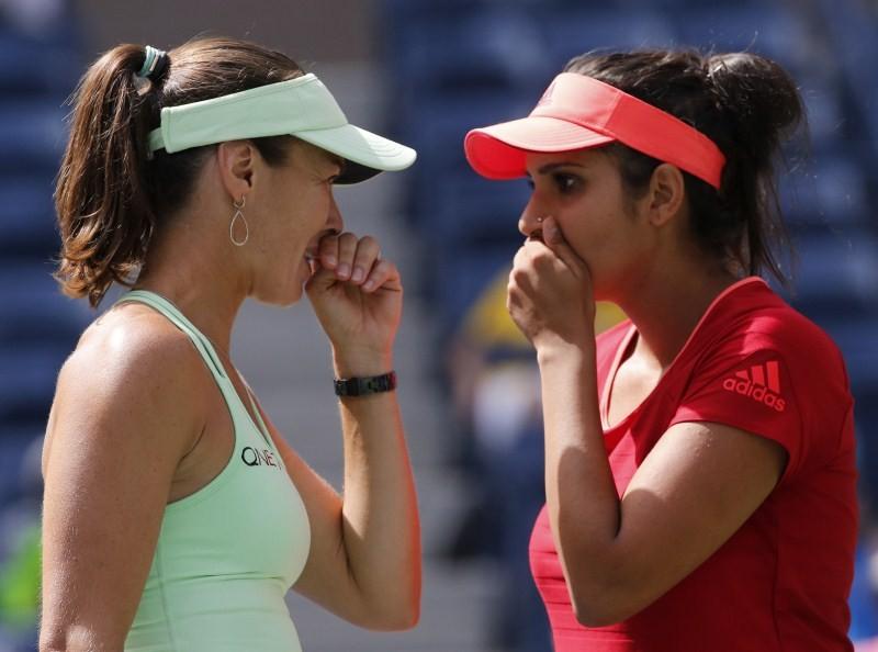 Sania Mirza,Martina Hingis,Sania Mirza and Martina Hingis,US Open womens doubles title,US Open 2015,Casey Dellacqua,Yaroslava Shvedova,US Open 2015 final,US Open Championships