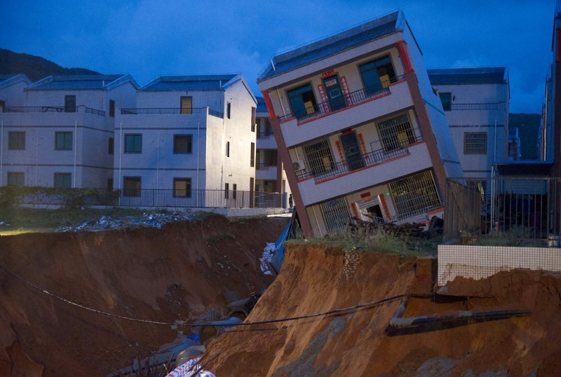 Houses on the Edge,landslides