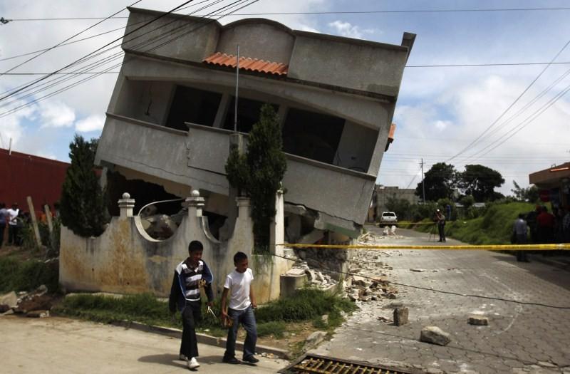 Houses on the Edge,landslides