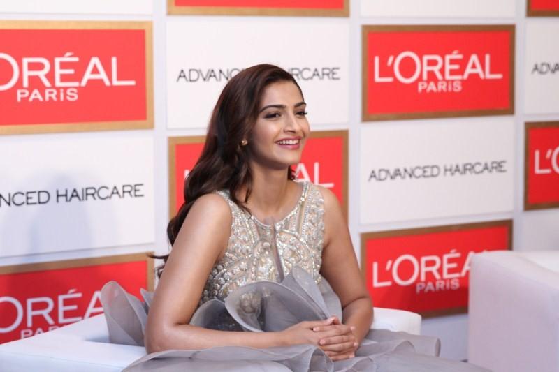 Sonam Kapoor,actress Sonam Kapoor,bollywood actress Sonam Kapoor,L'Oréal Paris ambassador,L'Oréal Paris,Shampoo