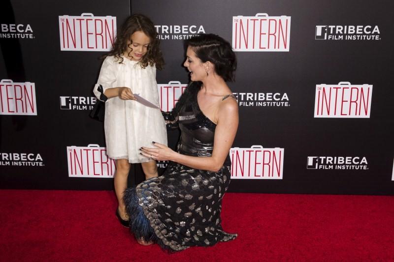 The Intern Premiere Show,The Intern,Anne Hathaway,Robert De Niro,Premiere Show,hollywood movie The Intern,Singer Mariah Carey,Mariah Carey
