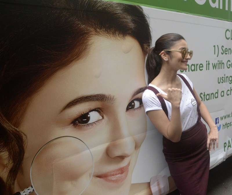 Alia Bhatt,actress Alia Bhatt,Garnier PureActive Neem+Tulsi Face Wash,Garnier,Neem+Tulsi Face Wash,Face Wash cream,Alia Bhatt latest pics,Alia Bhatt latest images,Alia Bhatt latest photos,Alia Bhatt latest pictures