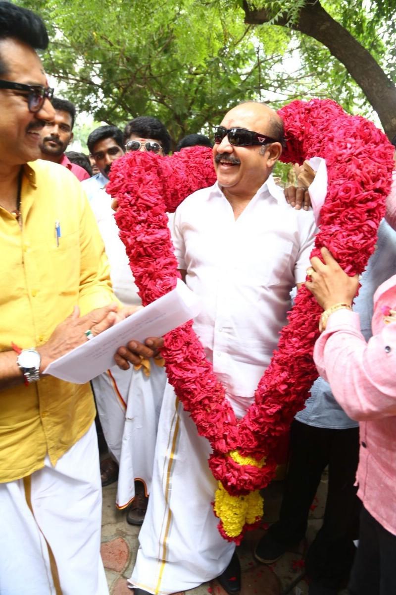 Sarathkumar,Sarath kumar,Nadigar Sangam elections,Nadigar Sangam,SIAA,South Indian Artistes Association,radha ravi,Sarath Kumar files nomination for Nadigar Sangam elections,Sarath Kumar files nomination
