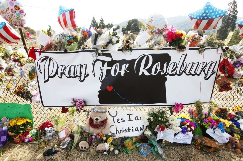 Oregon,Nation begins Mourning,Funeral,mass shooting at Umpqua Community College,Umpqua Community College,Roseburg