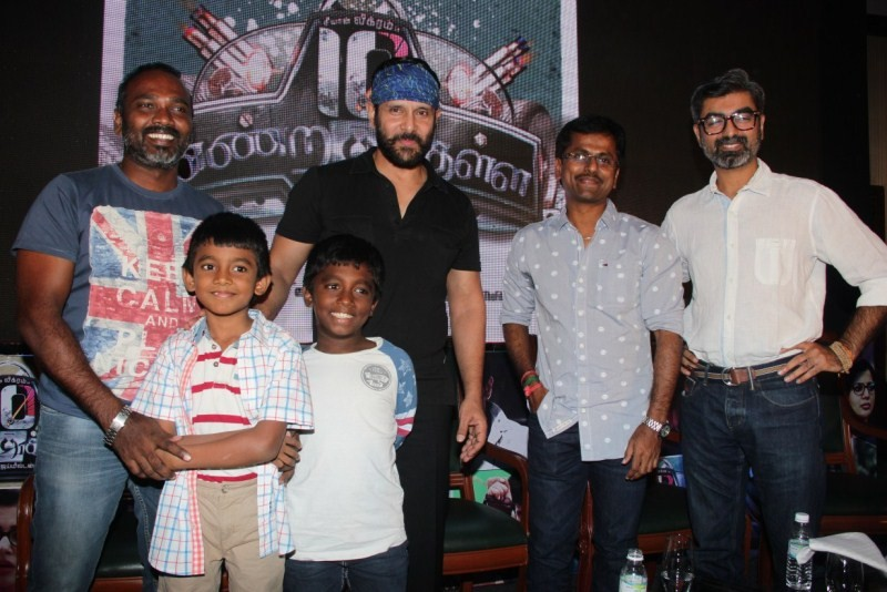 10 Enradhukulla,10 Enradhukulla Movie Press Meet,10 Enradhukulla Press Meet,Vikram,AR Murugadoss,Vijay Milton,Vijay Singh,10 Enradhukulla Press Meet pics,10 Enradhukulla Press Meet images,10 Enradhukulla Press Meet photos,10 Enradhukulla Press Meet pictur
