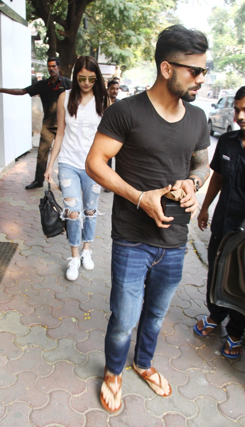 Virat Kohli,Anushka Sharma,Virat Kohli Lunch with Anushka Sharma,Virat Kohli and Anushka Sharma,Virat Kohli Anushka Sharma,Virat Kohli's Lunch with Anushka Sharma Family