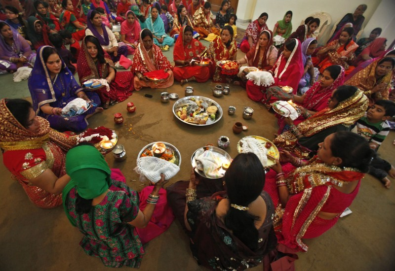 Karva Chauth,Karva Chauth 2015,Karva Chauth celebration,Karva Chauth celebrations,Karwa Chauth Puja,Karwa Chauth Puja 2015,Karwa Chauth Puja Vidhi,Karaka Chaturthi