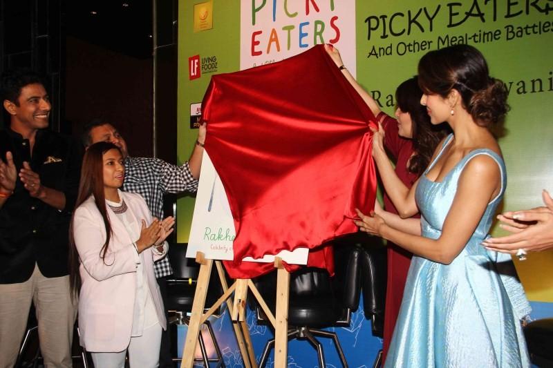 Malaika Arora Khan,actress Malaika Arora Khan,Malaika Arora Khan launches Rakhee Vaswani's book Picky Eaters,Rakhee Vaswani's book Picky Eaters,Picky Eaters,Rakhee Vaswanis