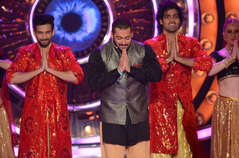 Bigg Boss 9,Salman Khan,Sonam Kapoor,Prem Ratan Dhan Payo,Prem Ratan Dhan Payo promotion,Prem Ratan Dhan Payo promotion in Bigg Boss,Salman Khan and Sonam Kapoor