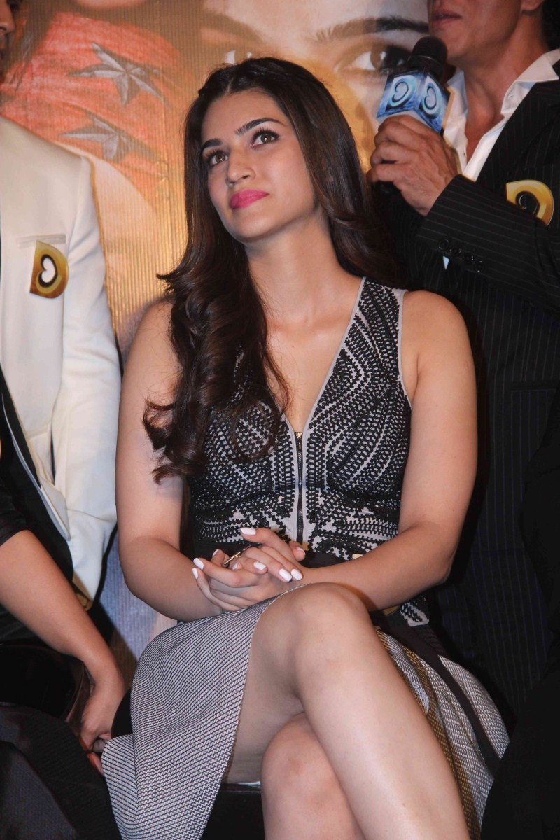 Shah Rukh Khan,Kajol,Varun Dhawan,Kriti Sanon,Shah Rukh Khan at Dilwale Trailer Launch,Kajol at Dilwale Trailer Launch,Varun Dhawan at Dilwale Trailer Launch,Kriti Sanon at Dilwale Trailer Launch,Dilwale Trailer Launch,Dilwale Trailer Launch pics,Dilwale