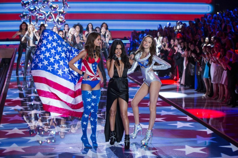 Victoria's Secret Fashion Show,Victoria Secret Fashion Show,Victoria's Secret Fashion Show 2015,Victoria Secret Fashion Show 2015,Fashion Show,Fashion Show 2015,Fashion event,Lily Aldridge,Selena Gomez,Kendall Jenner,singer Selena Gomez