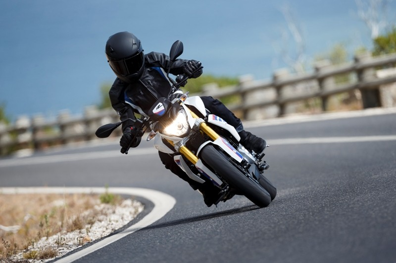 BMW-TVS,TVS BMW G 310 R,TVS BMW Motor cycle,TVS-BMW G 310 R pictures,BMW G 310 R details,BMW TVS 300cc bike,New BMW bike,bmw tvs upcoming bikes,tvs bmw bike price in india,tvs bmw bike news