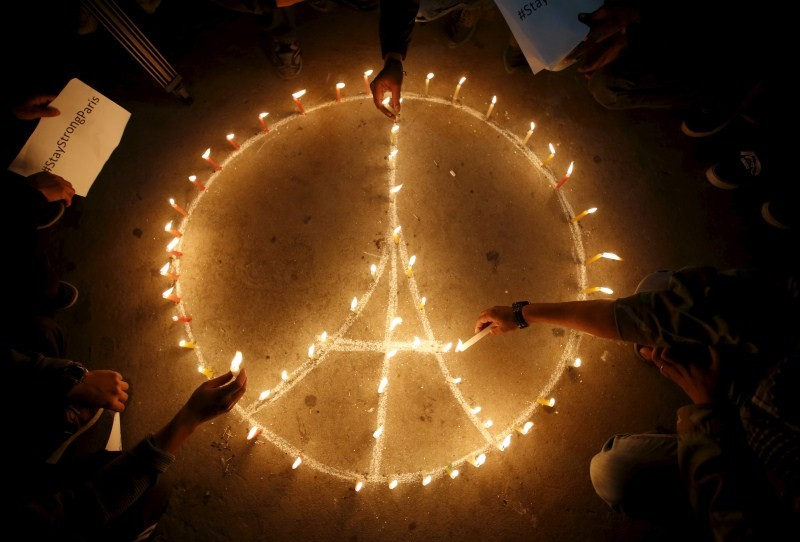 World reacts to Paris attacks,Paris attacks,Paris attacks 2015,ISIS Paris Attacks,Paris terror attacks,Paris terror attacks 2015