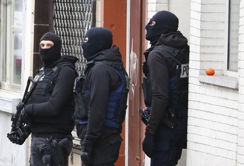 Paris attack,Paris attack 2015,Police search for suspects,Police search for suspects in France,Police search for suspects in Belgium,Paris police,Terrorism,Terrorists