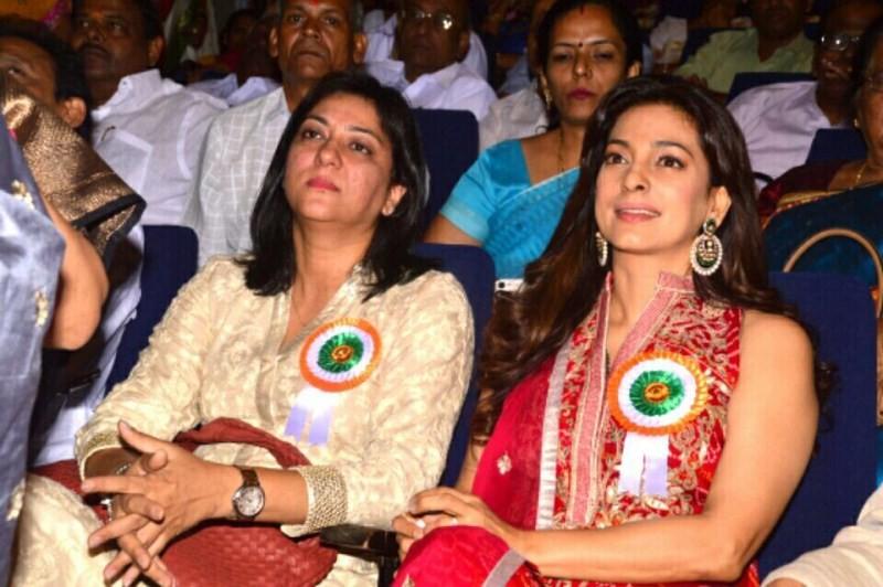 Juhi Chawla,Juhi Chawla receives 'Indira Gandhi Memorial Award',Indira Gandhi Memorial Award,Indira Gandhi Award,actress Juhi Chawla,Juhi