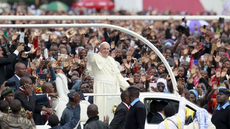 Pope Francis,Pope Francis Lands in Africa,Pope Francis in Africa,Pope Francis in Kenya