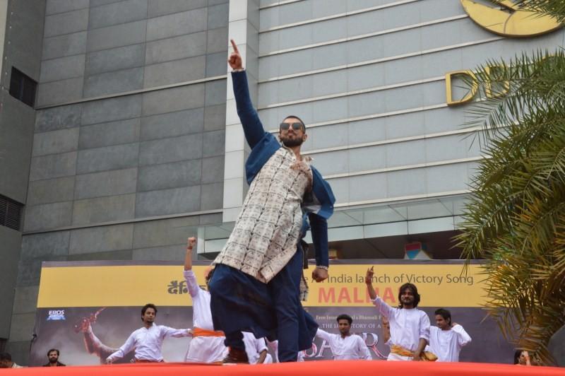Ranveer Singh,actor Ranveer Singh,Bajirao Mastani,Bajirao Mastani's Victory Song Malhari,Victory Song Malhari,Ranveer Singh launched Malhari