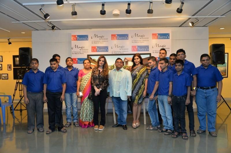 Sussane Khan,Sussane Khan inaugurates Mukesh Batra's art exhibition,Sussane Khan inaugurates art exhibition,Dr. Mukesh Batra's art exhibition,Dr. Mukesh Batra