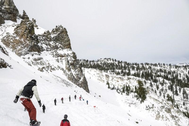 Snow in California,People enjoy the snow in California,People enjoy the snow,El Nino brings snow to California,El Nino