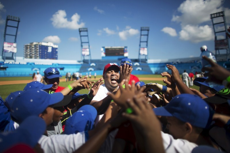 Baseball diplomacy,Baseball diplomacy in Cuba,Cuban baseball,Major League Baseball,Baseball goodwill tour