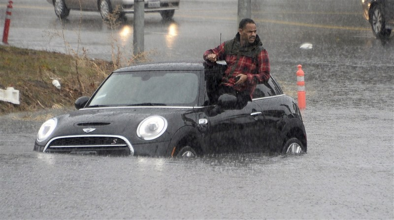 El Nino,El Nino hits California,El Nino finally hits California,California triggering flooding,California flooding,El Nino's Storm,El Nino Storm