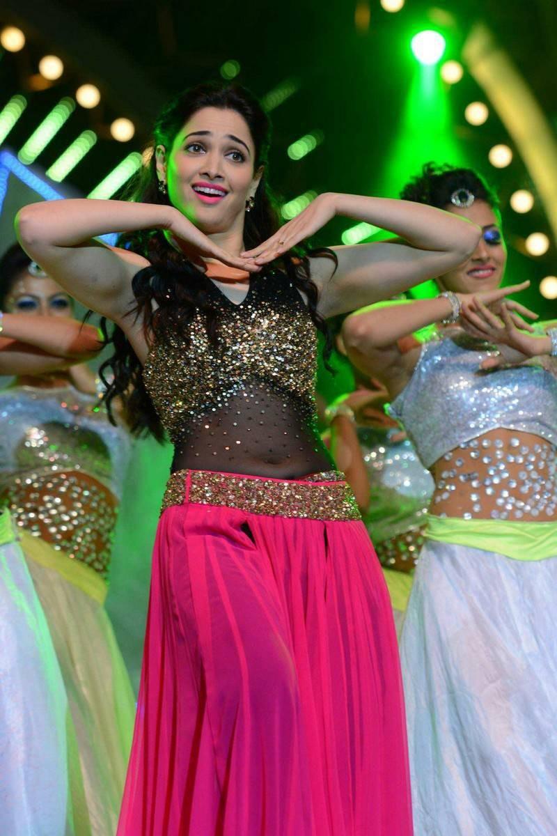 Tamanna,tamannaah,Tamannaah Bhatia,Tamanna's dance,Tamanna's dance Performance at IIFA Utsavam Awards 2016,Tamanna at IIFA Utsavam Awards 2016,Tamanna at IIFA Utsavam Awards,IIFA Utsavam Awards 2016,IIFA Utsavam Awards,IIFA Utsavam Awards day 2