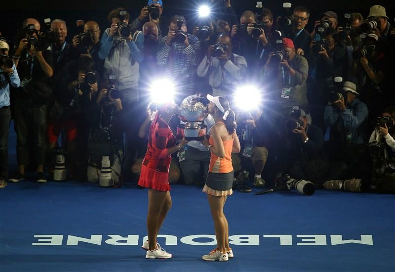 Sania Mirza,Martina Hingis,Czech seventh,Andrea Hlavackova,Lucie Hradecka,Sania-Martina win Australian Open women's doubles,Australian Open women's doubles