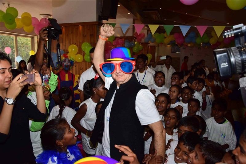 Anupam Kher,actor Anupam Kher,Anupam Kher celebrates Padma Bhushan,Anupam Kher celebrates Padma Bhushan with specially-abled kids,Anupam Kher celebrates with specially-abled kids,specially-abled kids