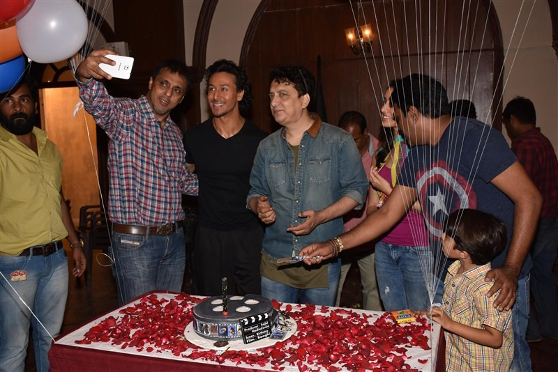 Team Baaghi,Sajid Nadiadwala,Sajid Nadiadwala birthday,Sajid Nadiadwala birthday celebration,Baaghi movie,Baaghi on the sets,Sajid Nadiadwala birthday party,Sajid Nadiadwala celebrations