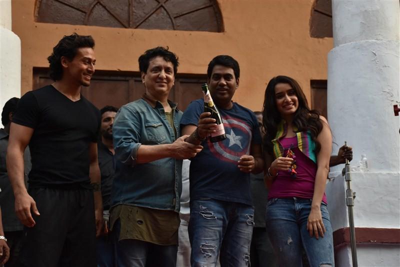 Team Baaghi,Sajid Nadiadwala,Sajid Nadiadwala birthday,Sajid Nadiadwala birthday celebration,Baaghi movie,Baaghi on the sets,Sajid Nadiadwala birthday party,Sajid Nadiadwala celebrations