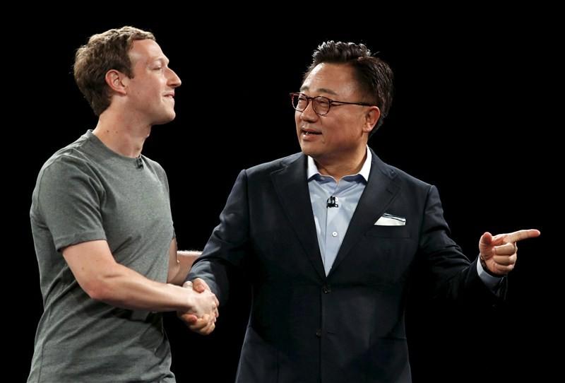 Mark Zuckerberg,Hans Vestberg,Shang Bing,Mobile World Congress,Dongjin Koh,Mobile World,Mobile World Congress pics,Mobile World Congress images,Mobile World Congress stills,Mobile World Congress pictures