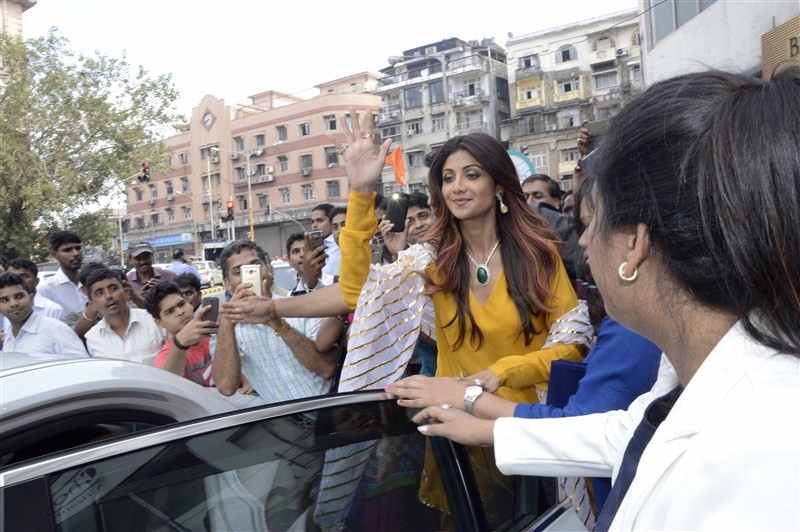 Shilpa Shetty,Shilpa Shetty launches Diagold store in Mumbai,Shilpa Shetty launches Diagold store,Diagold store in Mumbai,Bollywood actress Shilpa Shetty,actress Shilpa Shetty,Shilpa Shetty pics,Shilpa Shetty images,Shilpa Shetty photos,Shilpa Shetty pict