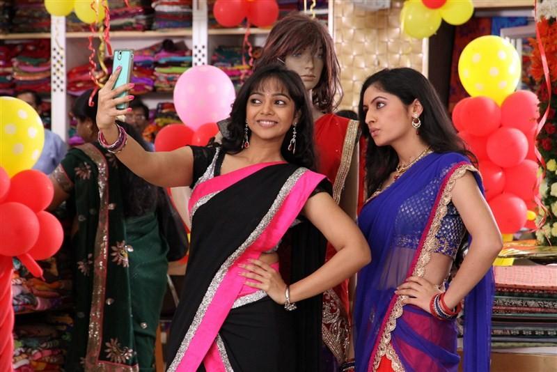 Padesave,Karthik Raju,Nithya Shetty,Karthik Raju and Nithya Shetty,Padesave movie stills,Padesave movie pics,Padesave movie images,Padesave movie photos,Padesave movie pictures