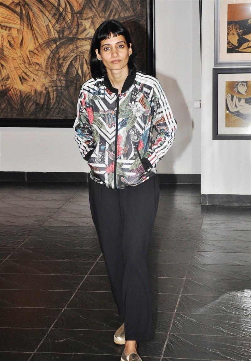 Osianama Womanhood Art Exhibition,Osianama Womanhood Art,Abha Singh,Artist Naina Kanodia,Naina Kanodia,Artist Sujata Jambhale,Sujata Jambhale,Vikram Bawa,Namrita Bachchan,Neville Tuli