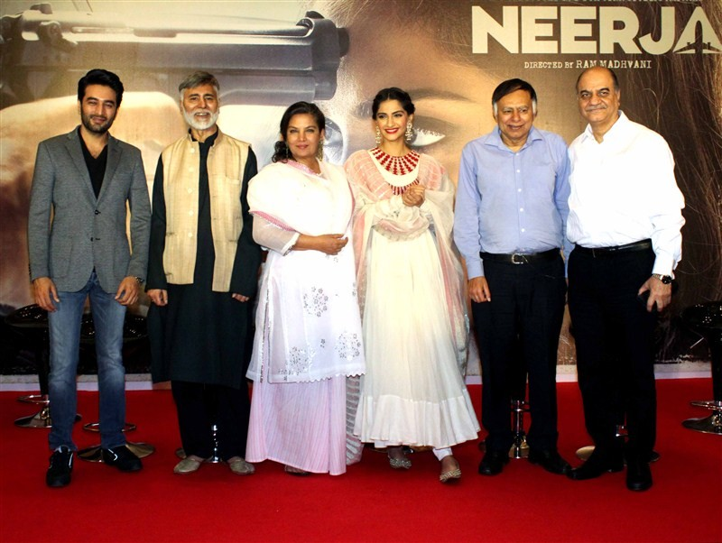 Sonam Kapoor,Shabana Azmi,Sonam Kapoor and Shabana Azmi,Neerja success meet,Neerja,Neerja success meet pics,Neerja success meet images,Neerja success meet photos,Neerja success meet stills,Neerja success meet pictures