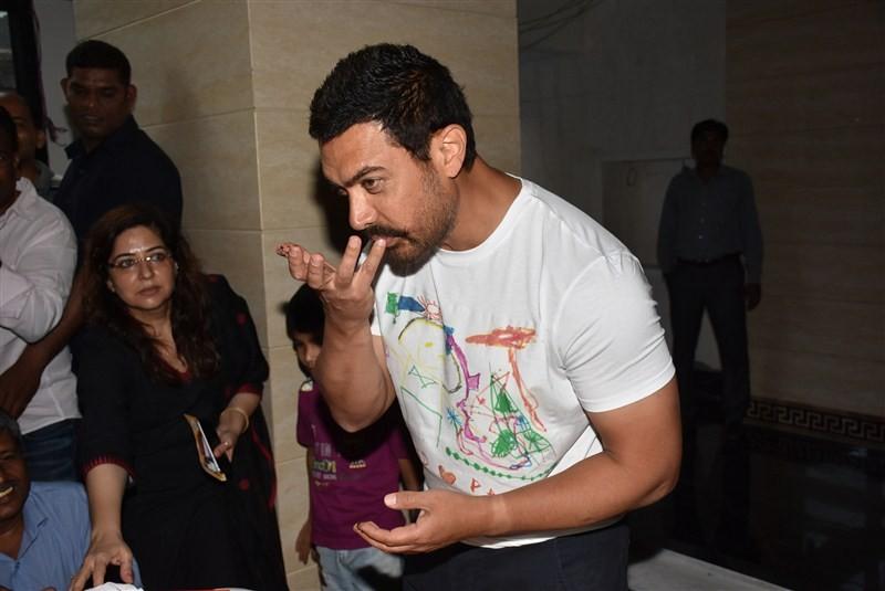 Aamir Khan,Aamir Khan 51st birthday celebrations? with media,Aamir Khan 51st birthday celebrations,Aamir Khan birthday celebrations,Aamir Khan birthday,actor Aamir Khan,Aamir Khan birthday celebration