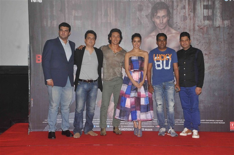 Shraddha Kapoor,Tiger Shroff,Shraddha Kapoor and Tiger Shroff,Shraddha Kapoor at Baaghi trailer launch,Tiger Shroff at Baaghi trailer launch,Baaghi trailer launch,Baaghi trailer launch pics,Baaghi trailer,Baaghi trailer launch images,Baaghi trailer launch