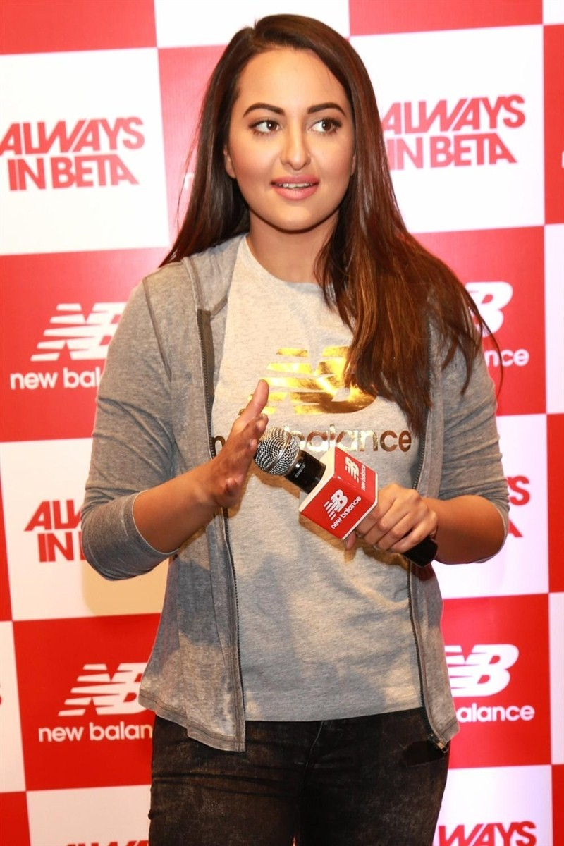 Sonakshi Sinha,New Balance flagship store,Sonakshi Sinha inaugurates New Balance flagship store in India,New Balance flagship store in India,Actress Sonakshi Sinha,Sonakshi Sinha pics,Sonakshi Sinha images,Sonakshi Sinha stills,Sonakshi Sinha pictures