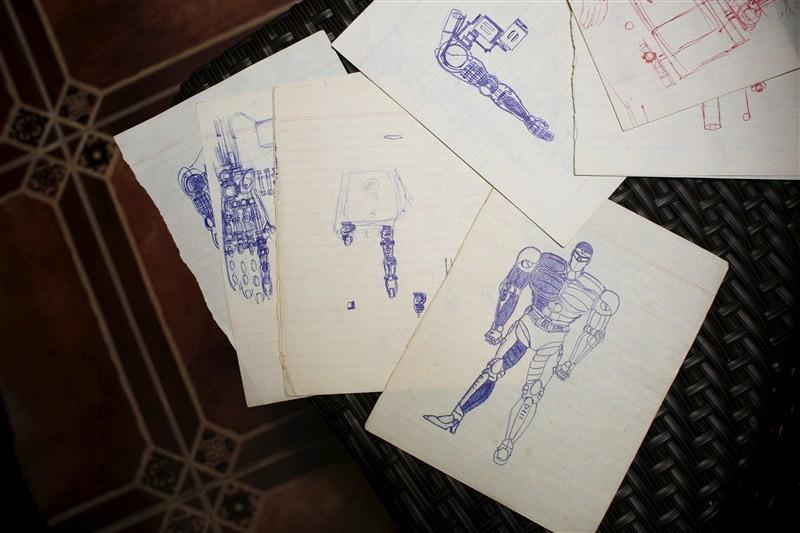 Graphic designer Ricky Ma,Ricky Ma,Mark 1,Mark 1 robot,robot,Hollywood star robot