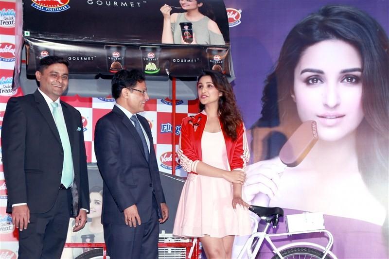 Parineeti Chopra,Vadilal,Vadilal ice cream,Parineeti Chopra as Brand Ambassador,actress Parineeti Chopra,Parineeti Chopra pics,Parineeti Chopra images,Parineeti Chopra stills,Parineeti Chopra pictures,Parineeti Chopra photos,Parineeti Chopra launches Vadi