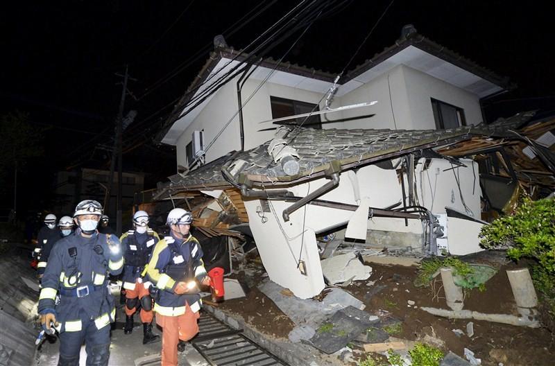 Earthquake rattles Japan,Earthquake,Earthquake in Japan,Japan earthquake,Deadly earthquake,magnitude 6.4
