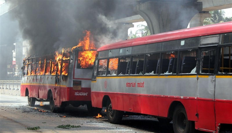 Bengaluru,Bengaluru violent,PF withdrawal,provident fund,garment workers,Bengaluru Riot Over New Provident Fund Rules