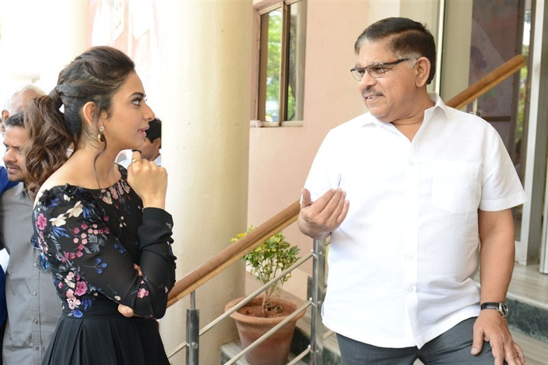 Allu Arjun,Sarrainodu,Rakul Preet Singh,Allu Aravind,Allu Arjun's Sarrainodu,Sarrainodu review,Sarrainodu movie review,Sarrainodu press meet,Sarrainodu press meet pics,Sarrainodu press meet images,Sarrainodu press meet photos,Sarrainodu press meet st