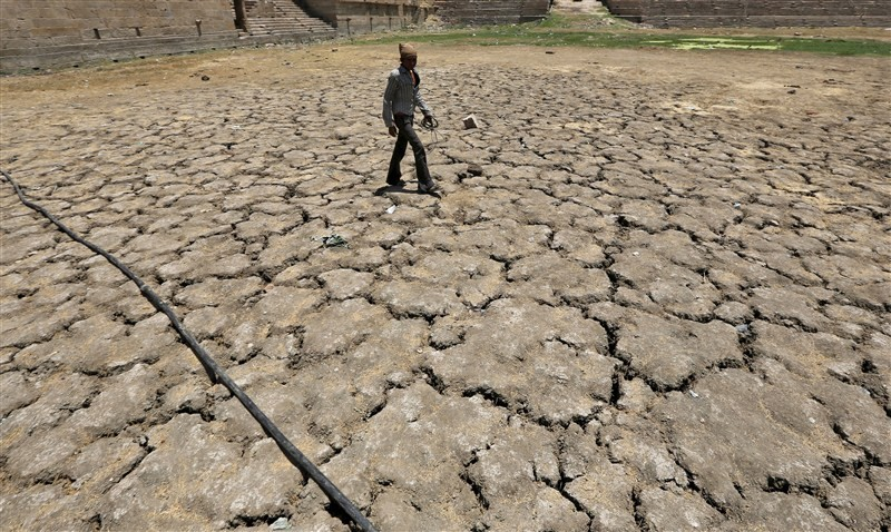 India's worst drought,India's worst drought in decades,population,drought in four decades,drought,heat wave,heat wave in India,heat wave death