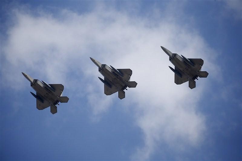 America's Top Guns,Top Guns,U.S. military pilots,U.S. Top Guns,U.S. F-22,Raptor fighters,U.S. F-22 Raptor fighter,Raptor fighter