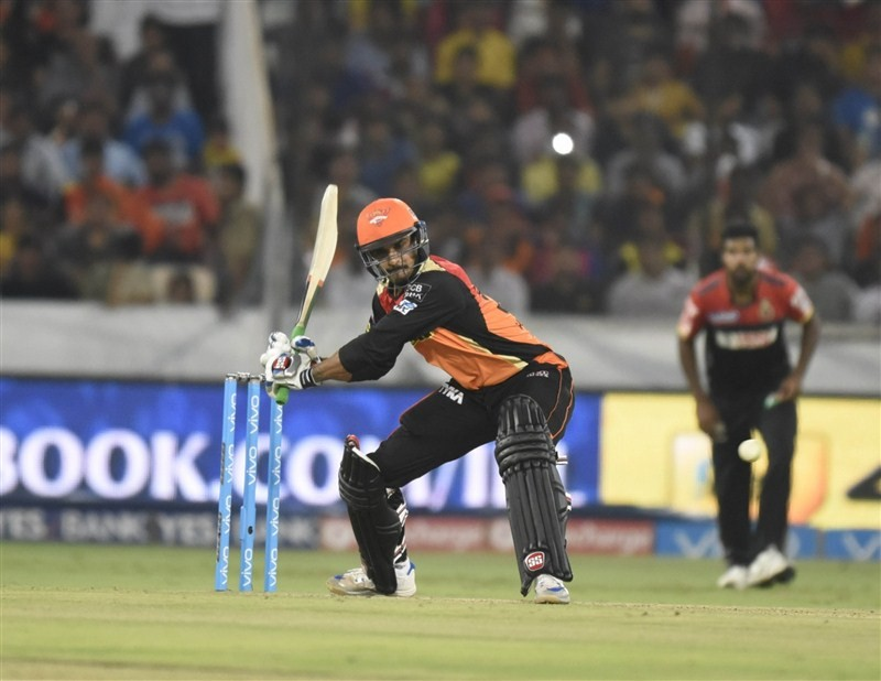 Sunrisers Hyderabad beat Royal Challengers Bangalore,Sunrisers Hyderabad beat Royal Challengers Bangalore by 15 runs,Sunrisers Hyderabad,Royal Challengers Bangalore,David Warner,Indian Premier League,Indian Premier League 2016,Indian Premier League 9,IPL
