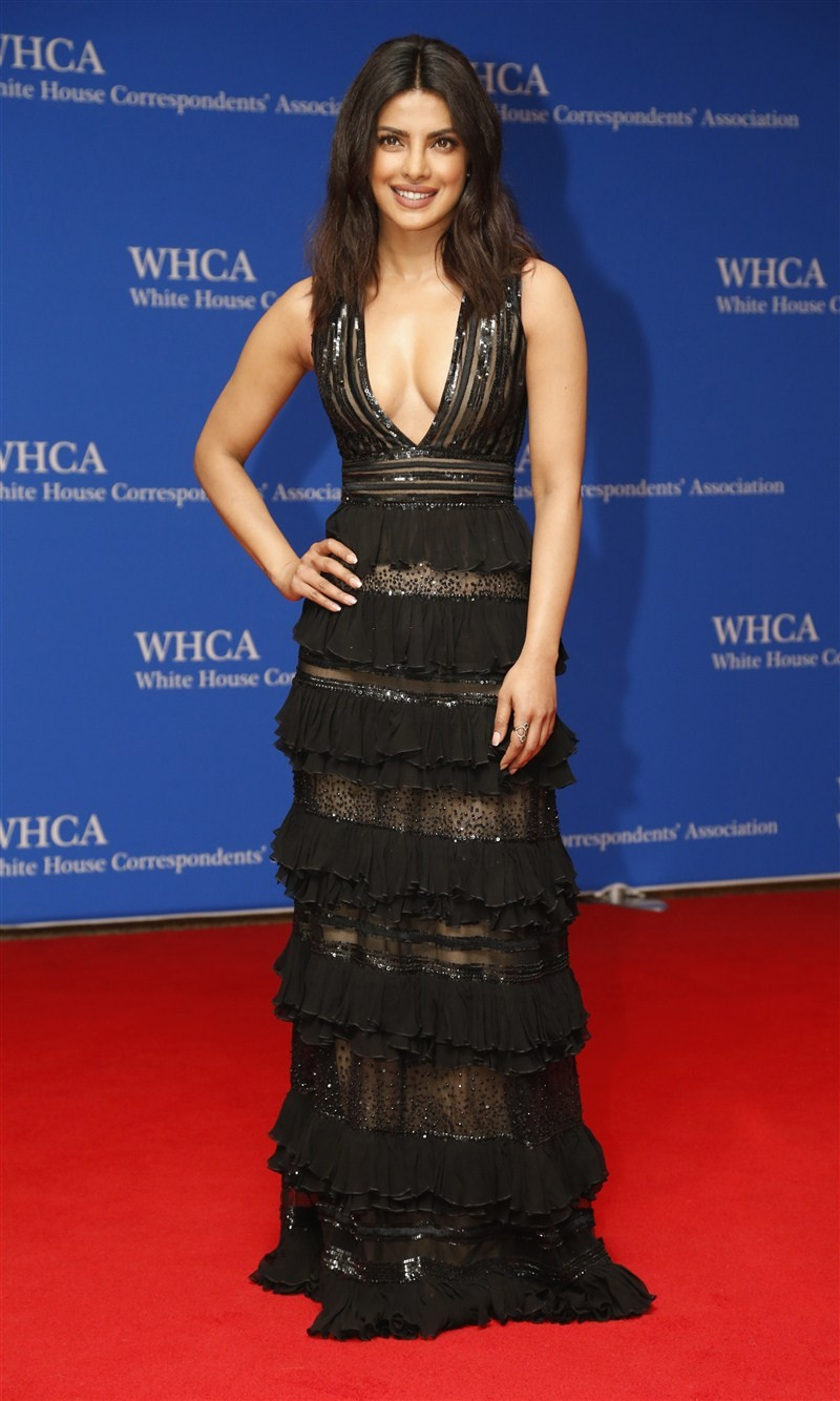 Priyanka Chopra,Priyanka Chopra meets Barack Obama,Barack Obama,Michelle Obama,White House Correspondents Dinner,Priyanka Chopra at White House Correspondents Dinner,First Lady Michelle Obama