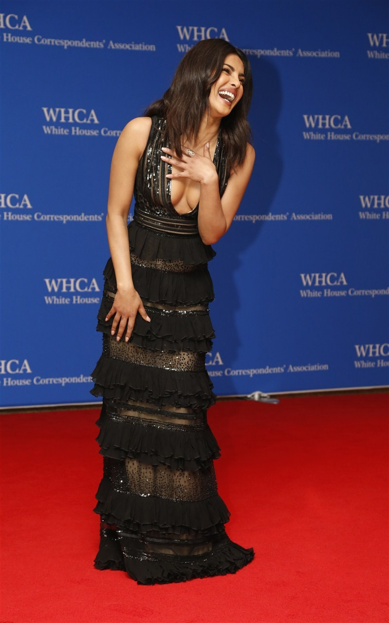 Priyanka Chopra,Priyanka Chopra meets Barack Obama,Barack Obama,Michelle Obama,White House Correspondents Dinner,Priyanka Chopra at White House Correspondents Dinner,First Lady Michelle Obama